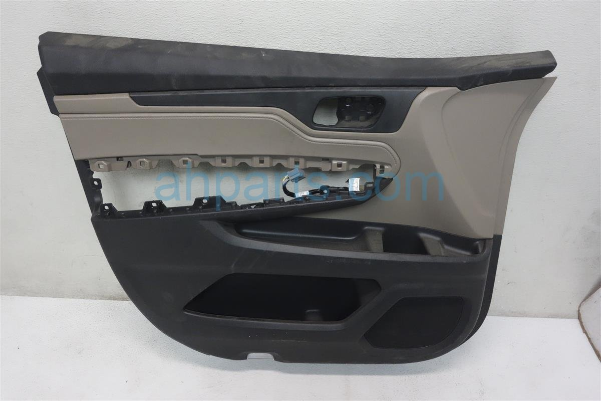 2018 Honda Odyssey Trim / Liner Front Driver Door Panel No Switch Tan 83551 THR A01ZA Replacement