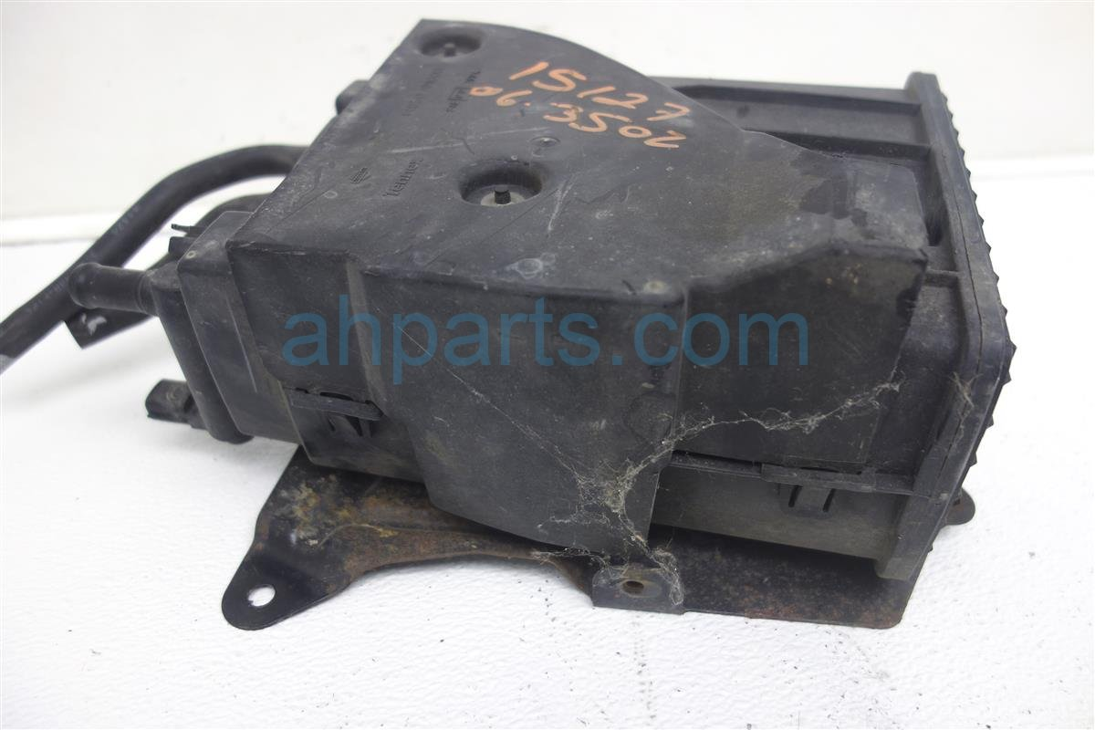 2006 Nissan 350z Emission Evaporation Canister 14950 CD000 Replacement
