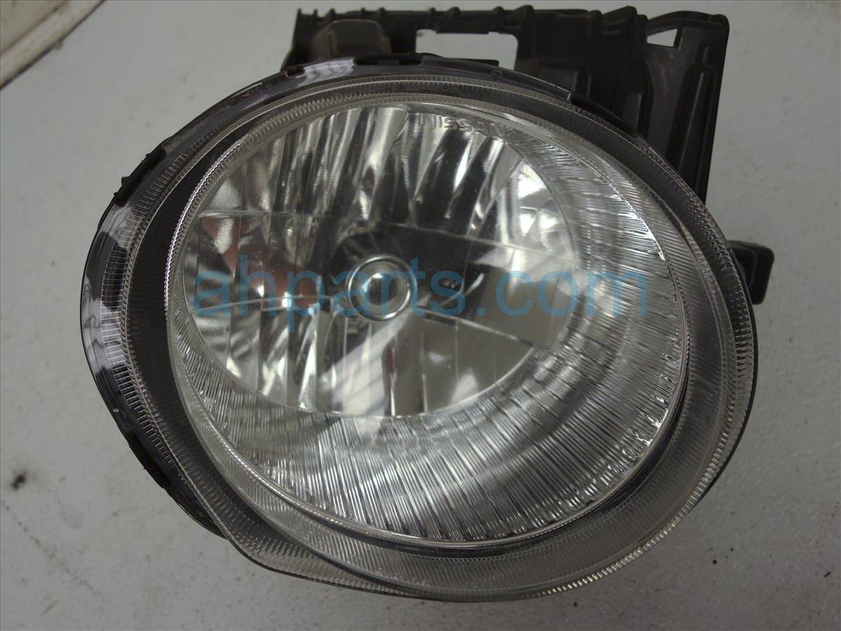 2011 Nissan Juke Headlight Passenger Head Light / Lamp - 26010-1KM0A  Replacement