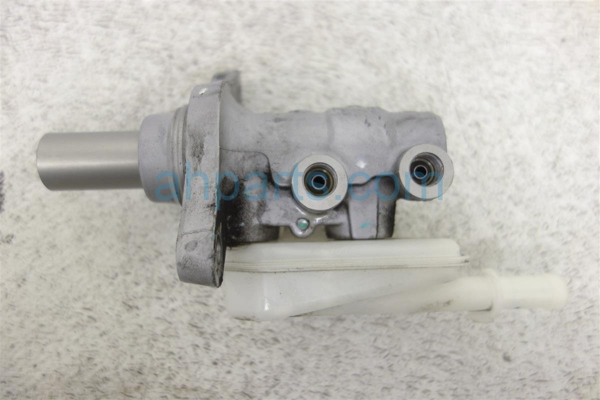 2015 Nissan Nv200 Brake Master Cylinder 46010 3LM0A Replacement