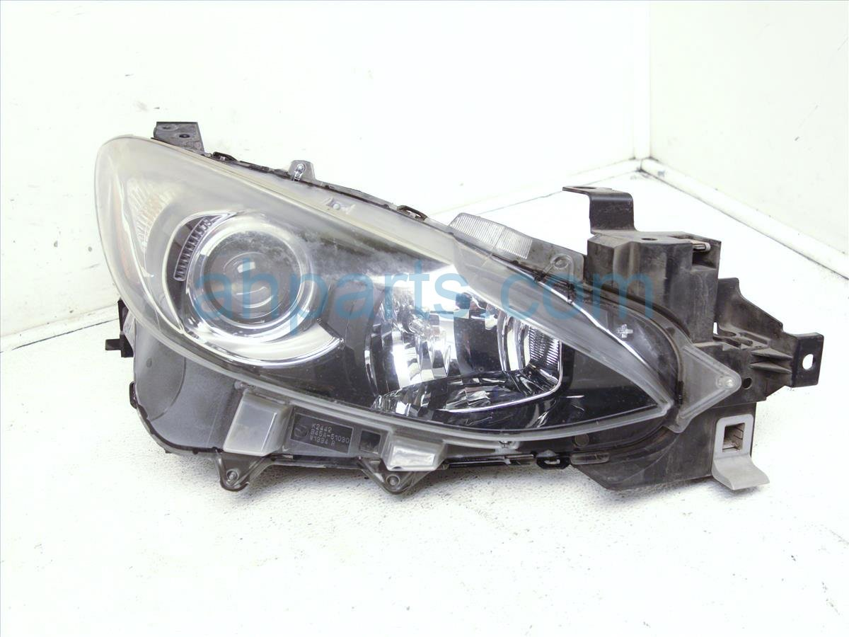 2014 Mazda Mazda 3 Headlight Passenger Head Light / Lamp Needs Polish BHN1510K0 Replacement