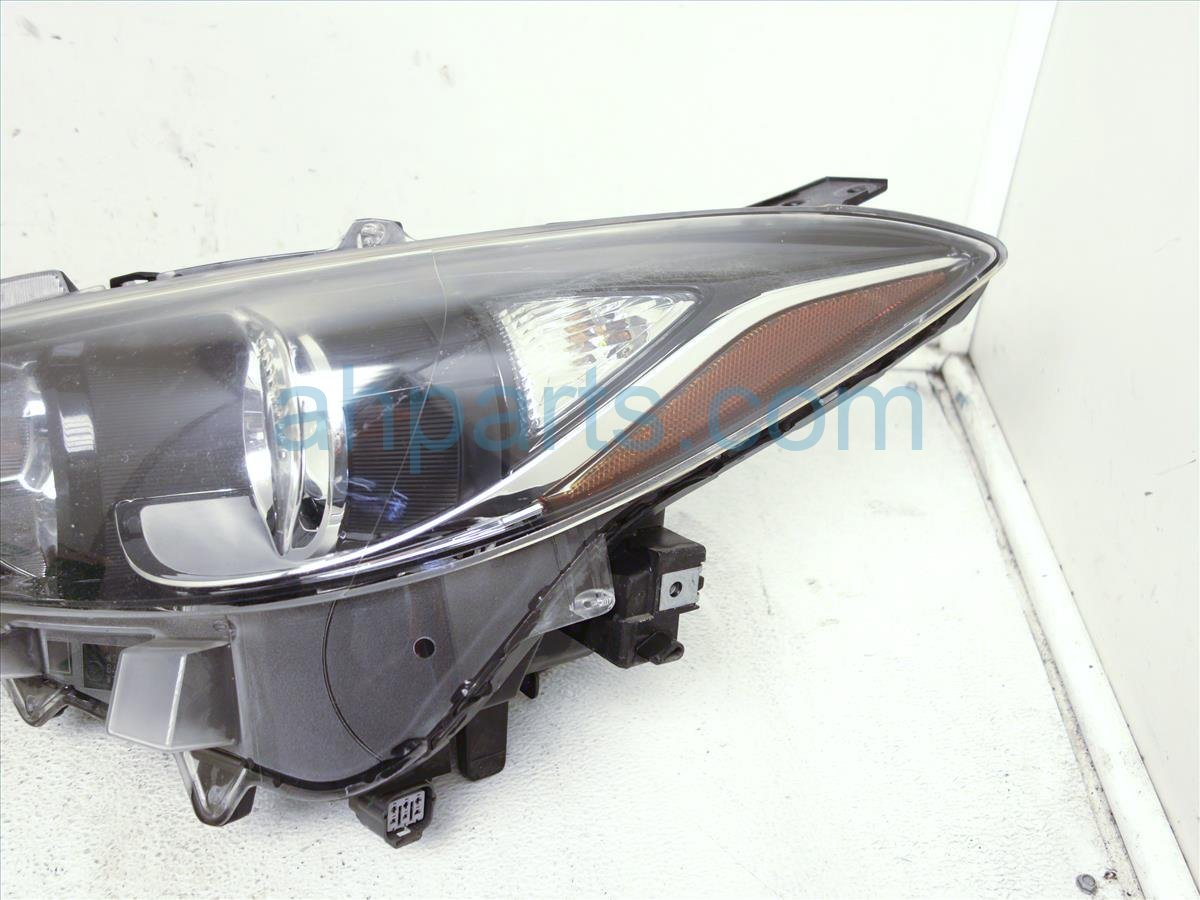 2014 Mazda Mazda 3 Headlight Driver Head Light / Lamp Needs Polish BHN1510L0 Replacement