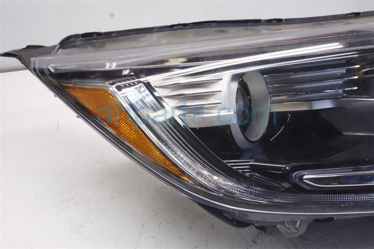 2017 Honda CR V Headlight / Passenger Headlamp Assy Broken Tabs 33100 TLA A01 Replacement