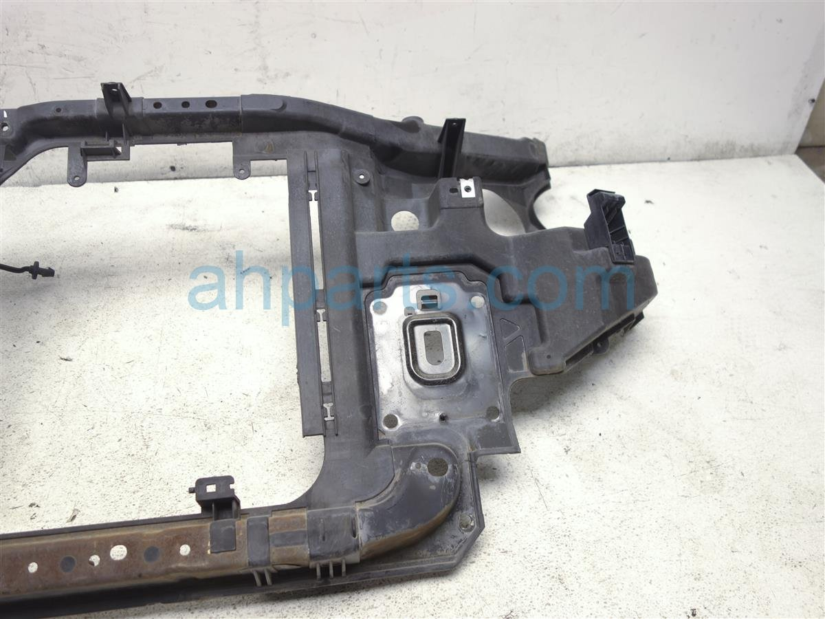 2006 Nissan Quest Core Radiator Support Assembly 62500 5Z000 Replacement