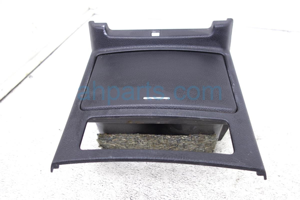 2006 Infiniti M35 Center Cup Holder, Black 68430 EH10B Replacement