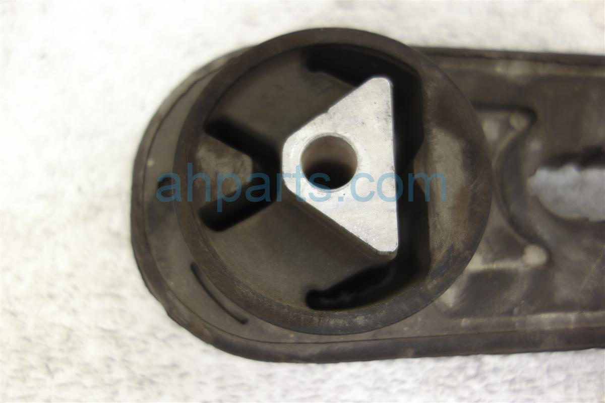 2014 Nissan Cube Engine/motor Rear Engine Mount Buffer Assembly 11360 ED000 Replacement