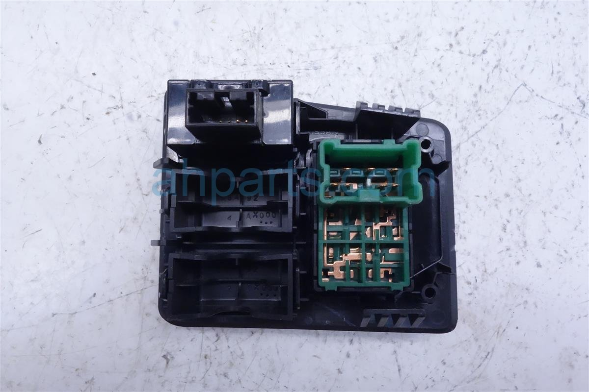 2015 Roguenew Mirror Control & Vsa Switch Assy 25570 2Y015 Replacement