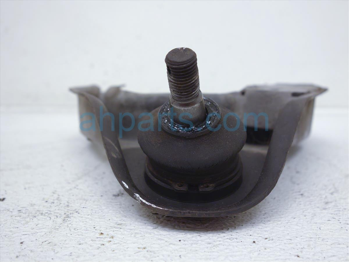 2002 Nissan Frontier Front Driver Upper Control Arm 54525 8B550 Replacement