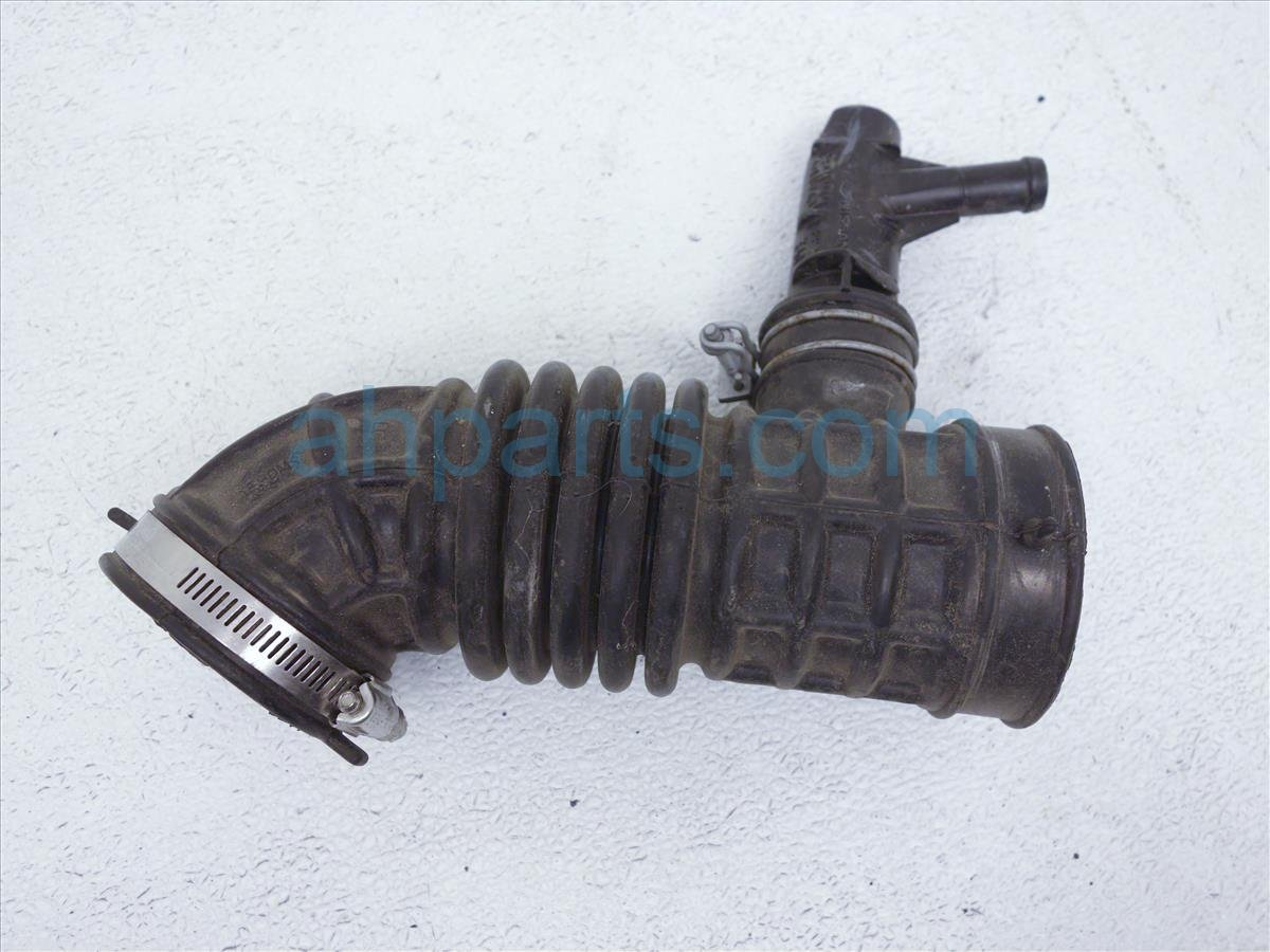 2015 Nissan Sentra Intake Air Duct For Air Cleaner 16576 3RC2A Replacement