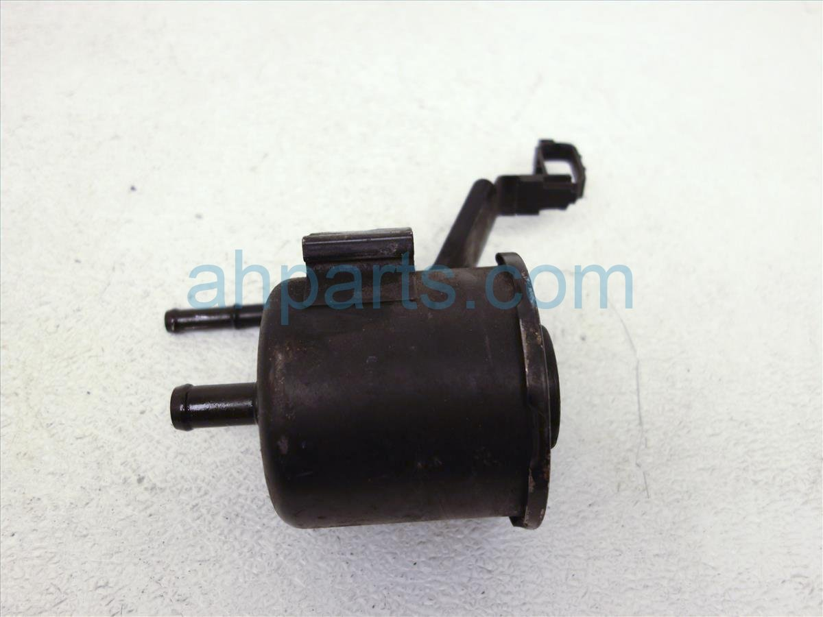 2001 Nissan Pathfinder Bottle Power Steering Reserve Tank W/o Cap 49180 4W000 Replacement