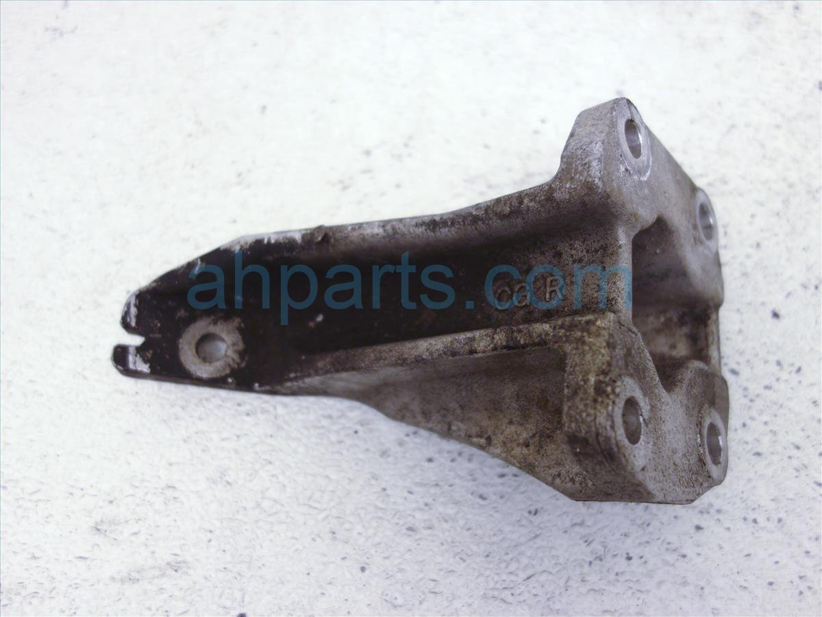 1997 Infiniti Q45 Engine/motor Right Engine Mount Bracket Only 11232 6P000 Replacement