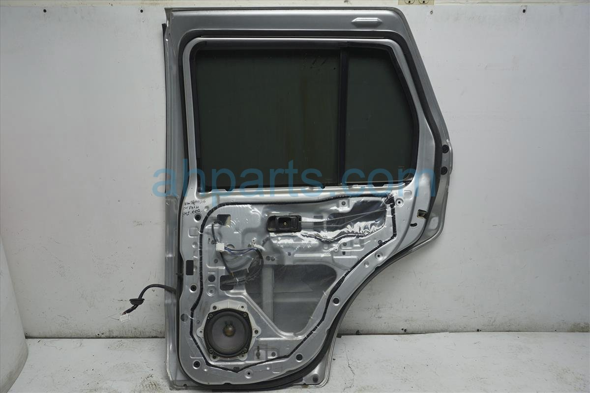 2004 Nissan Pathfinder Rear Passenger Door Silver H2100 0W0CA Replacement