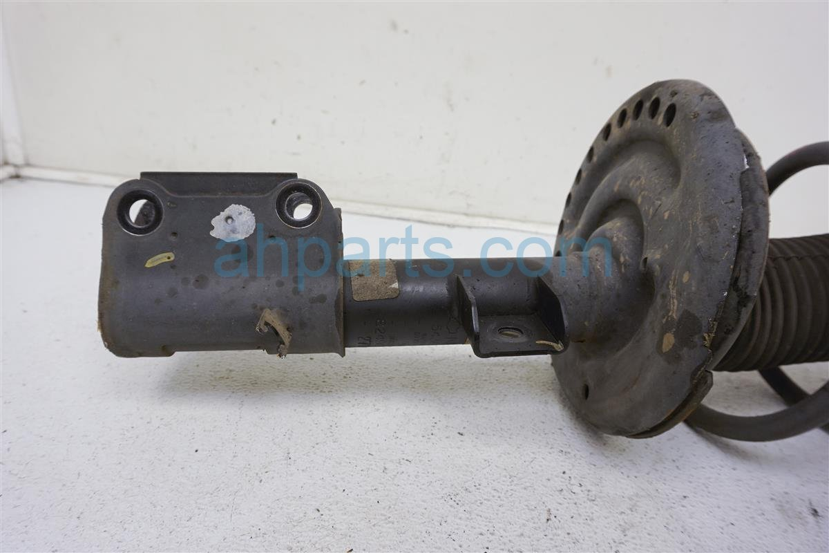 2013 Nissan Altima Front Driver Strut Shock + Spring   E4303 3TA1B Replacement