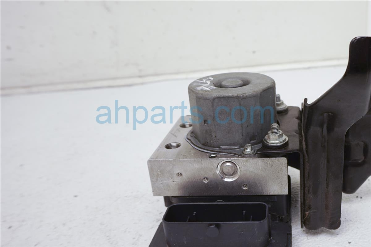 2013 Nissan Altima (anti Lock Brake) Abs/vsa Pump/modulator   47660 3TA0B Replacement