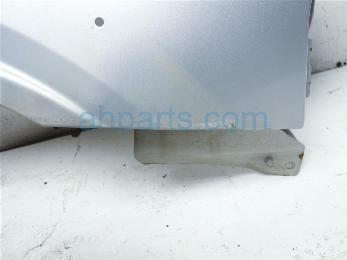 2002 Nissan Frontier Front Passenger Fender Silver 63112 9Z431 Replacement