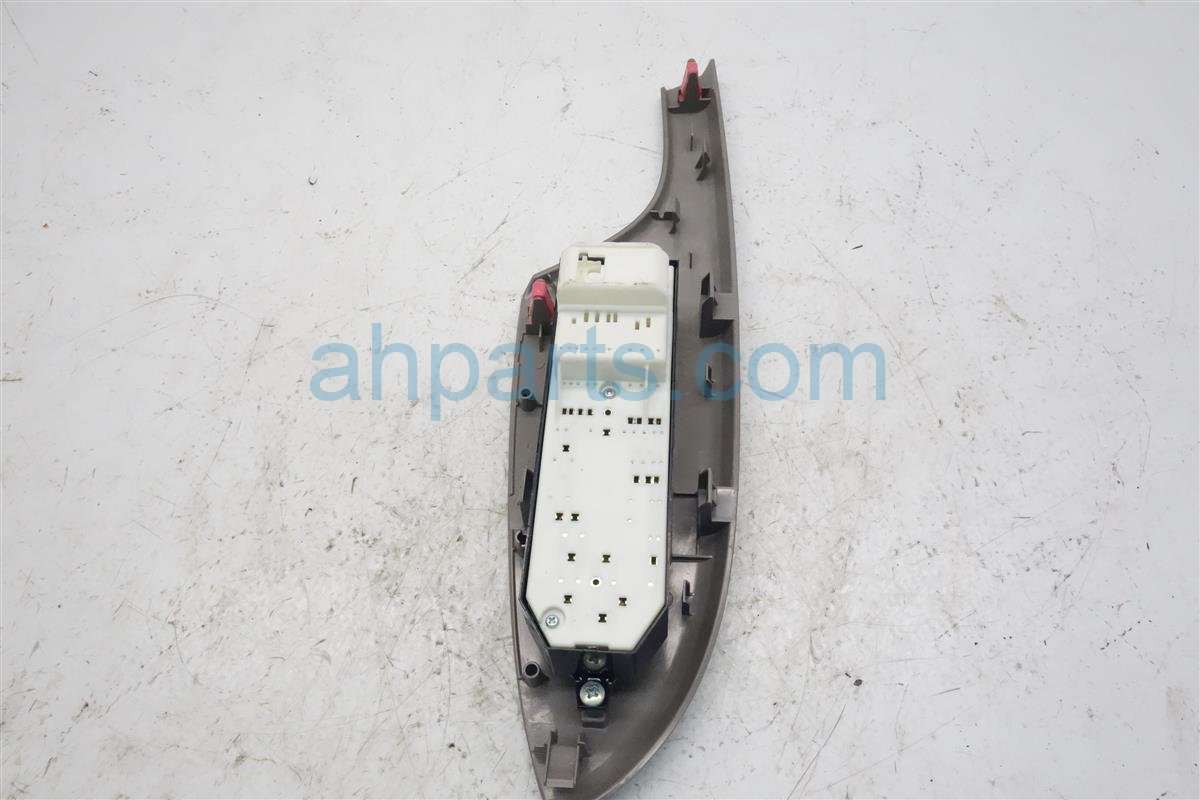 2010 Toyota Corolla Power / Master Window Control Switch 84820 12540 Replacement