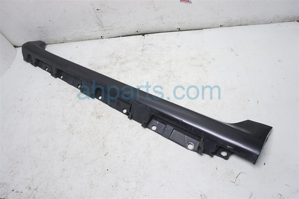 2010 Toyota Corolla Trim Driver Side Skirt / Rocker Molding Gray 76912 12904 Replacement
