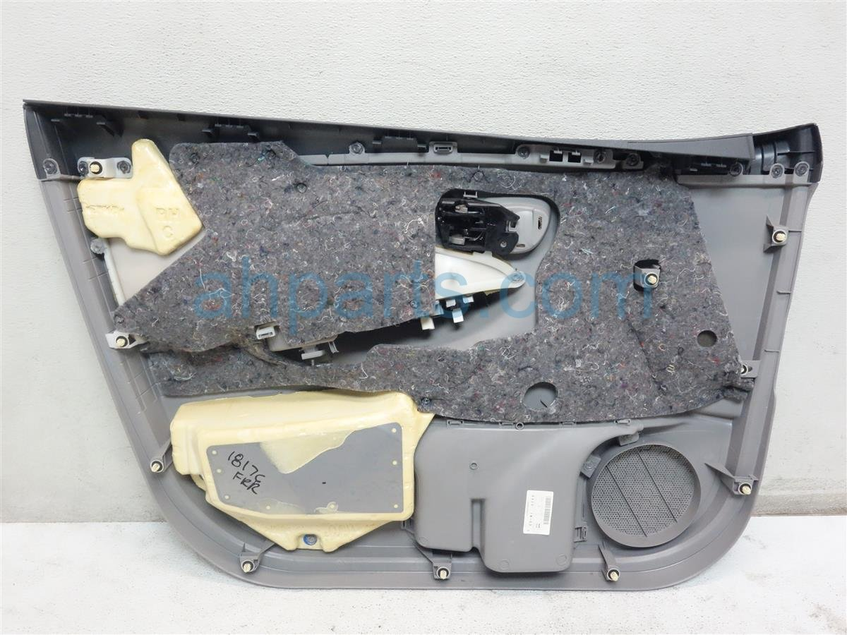 2010 Toyota Corolla Front Passenger Door Panel (trim Liner) Gray 67610 12J00 B0 Replacement