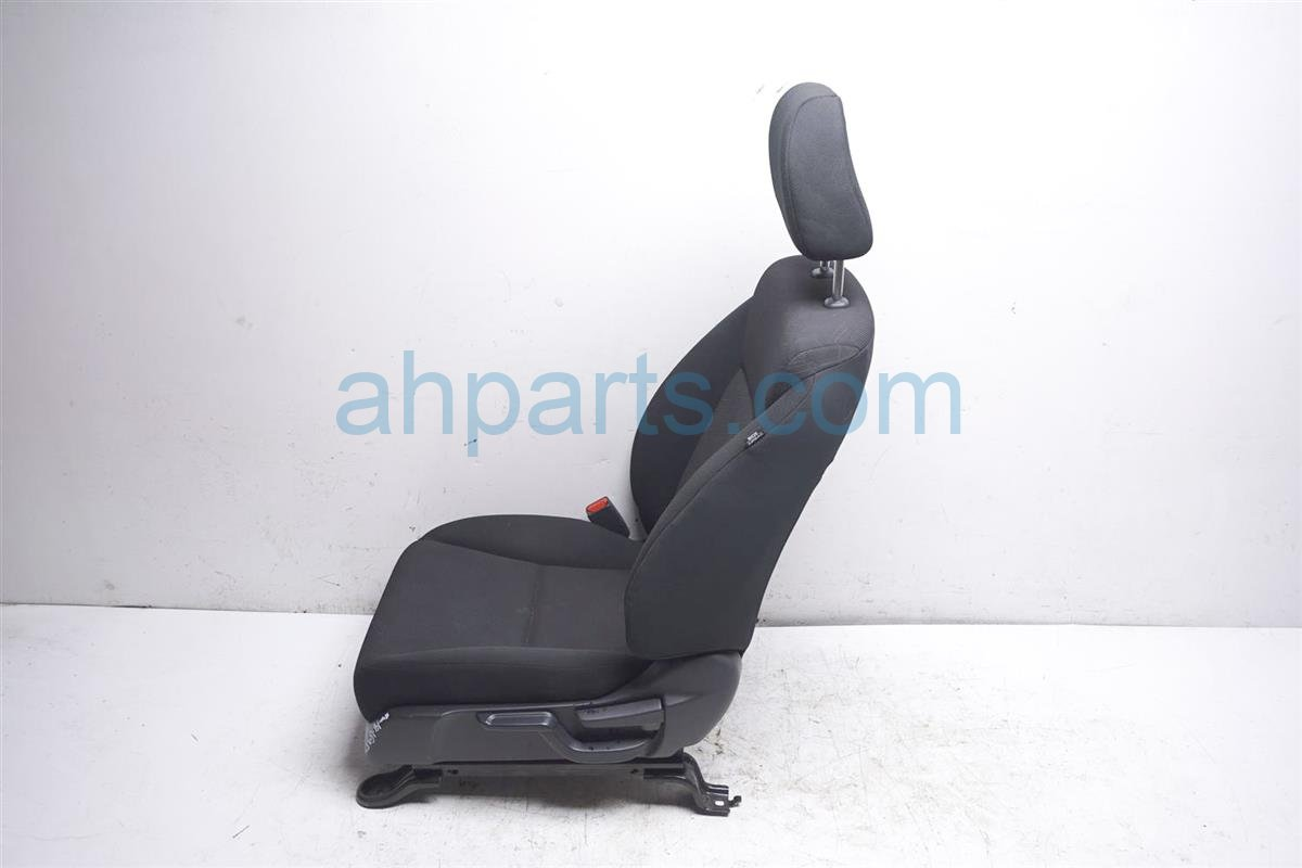 2016 Honda FIT Front Driver Seat   Black (no Airbag) 81140 T5R A31ZA Replacement