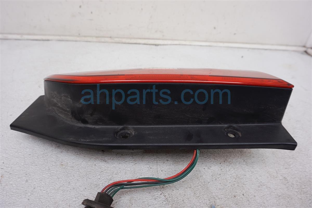 2006 Nissan Xterra Rear Passenger Tail Lamp   Light Has Scratches 26550 EA025 Replacement