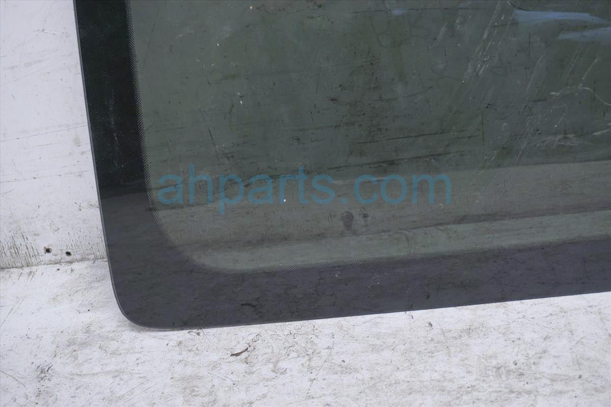 2006 Nissan Xterra Passenger Quarter Window Glass   83306 EA000 Replacement