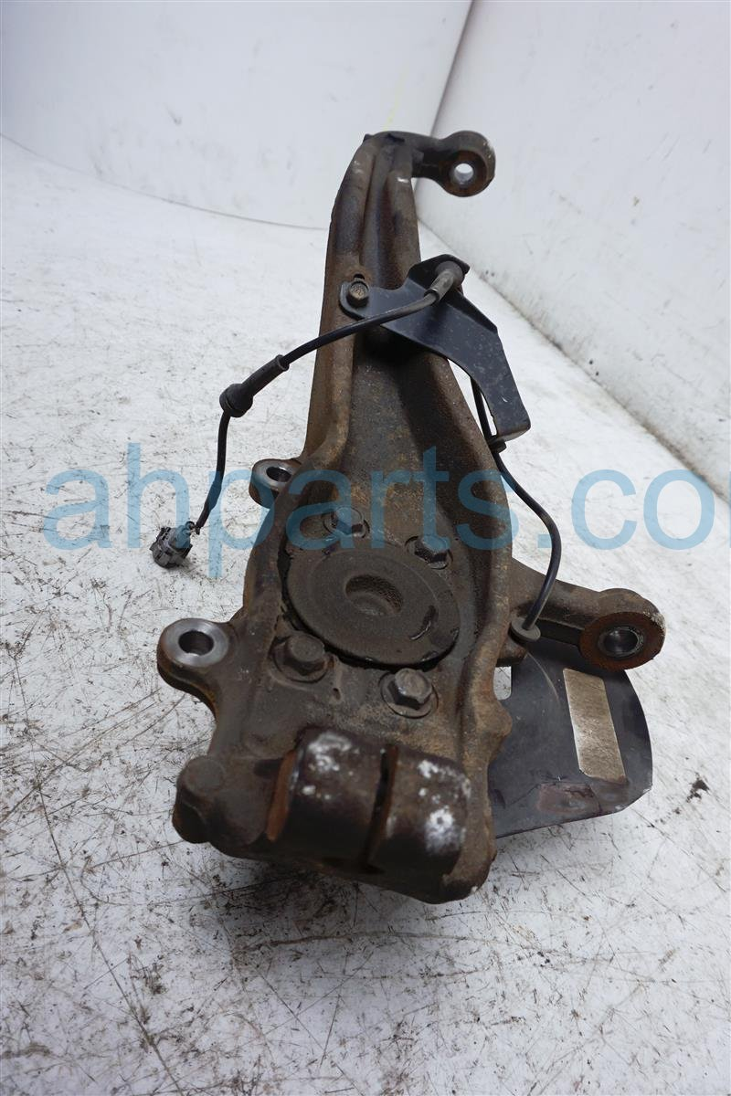 2006 Nissan Xterra Hub Front Driver Spindle Knuckle   Check 40015 EA000 Replacement