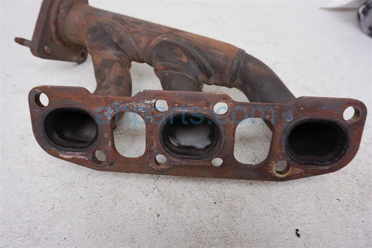 2006 Nissan Xterra Right Exhaust Manifold 14002 EA200 Replacement