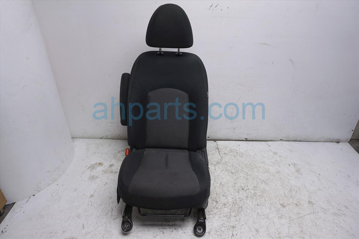 2016 Nissan Versa Front Driver Seat   Black / Gray Cloth Replacement