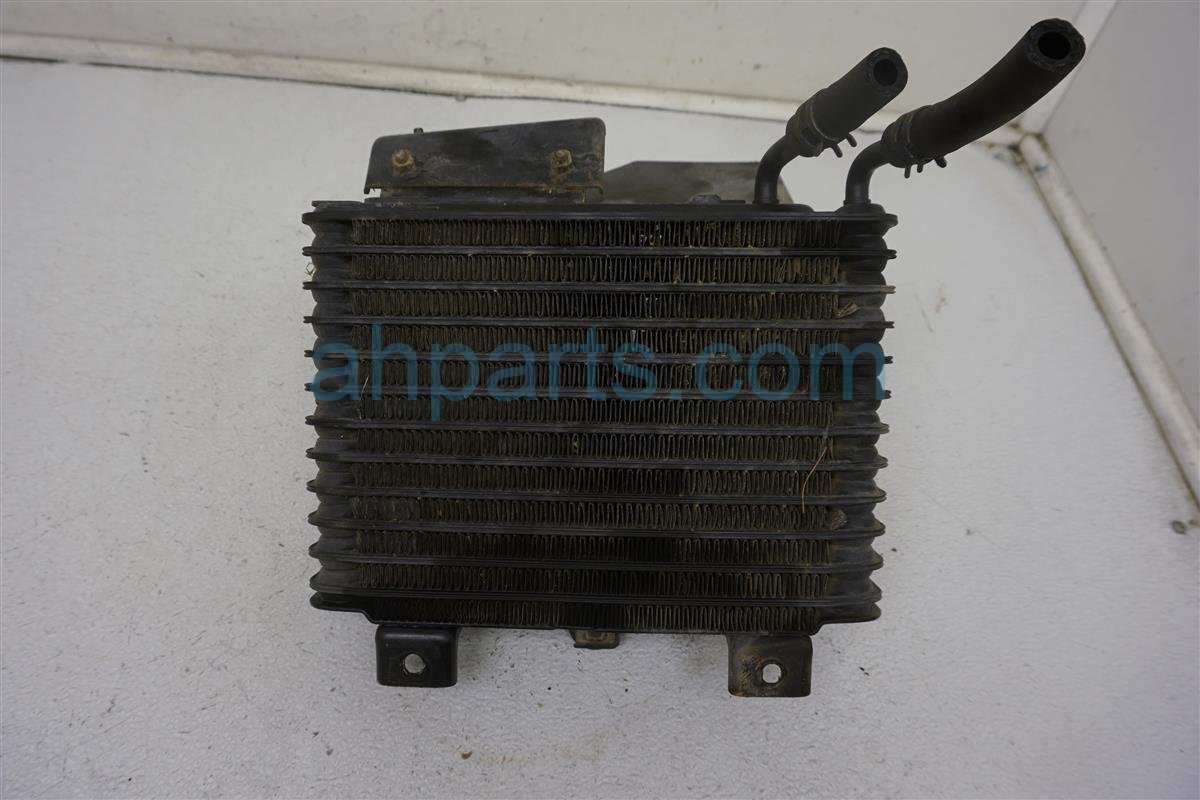 1999 Toyota Sienna Engine Oil Cooler 32910 45010 Replacement