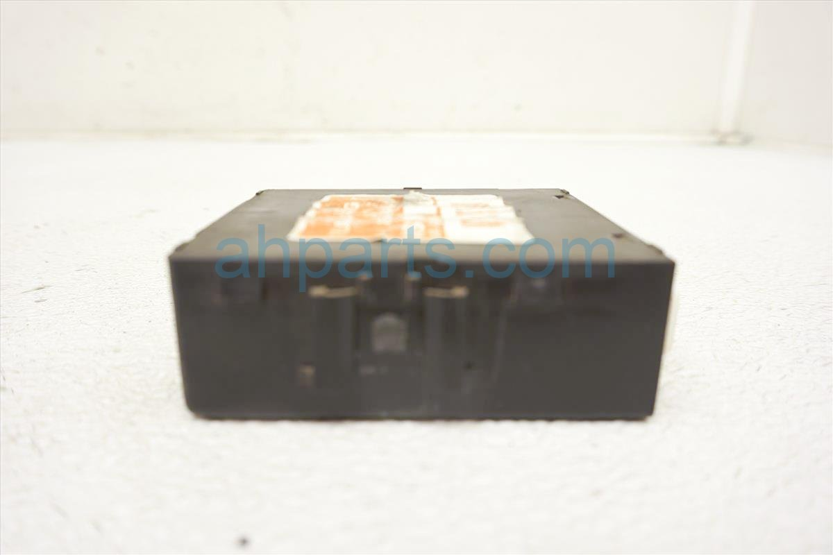 1999 Toyota Sienna Running Light Relay Computer Box 8264233010 Replacement
