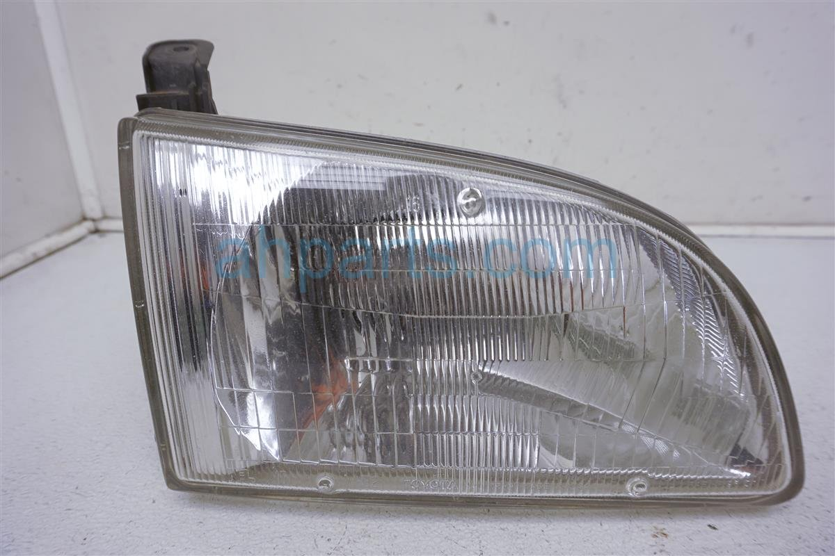1999 Toyota Sienna Lamp Front Passenger Headlight Assembly 8111008010 Replacement