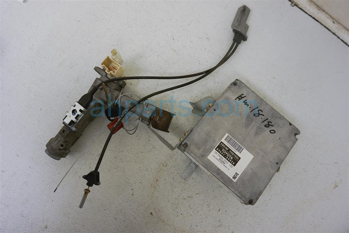1999 Toyota Sienna Engine Control Module Computer Ecu W/ Ignition & Key  california 8966108020 Replacement