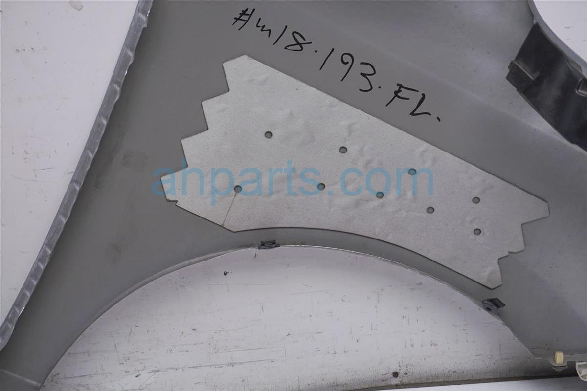 2013 Nissan Quest Front Driver Fender   Silver Small Scuff 63101 1JA0B Replacement