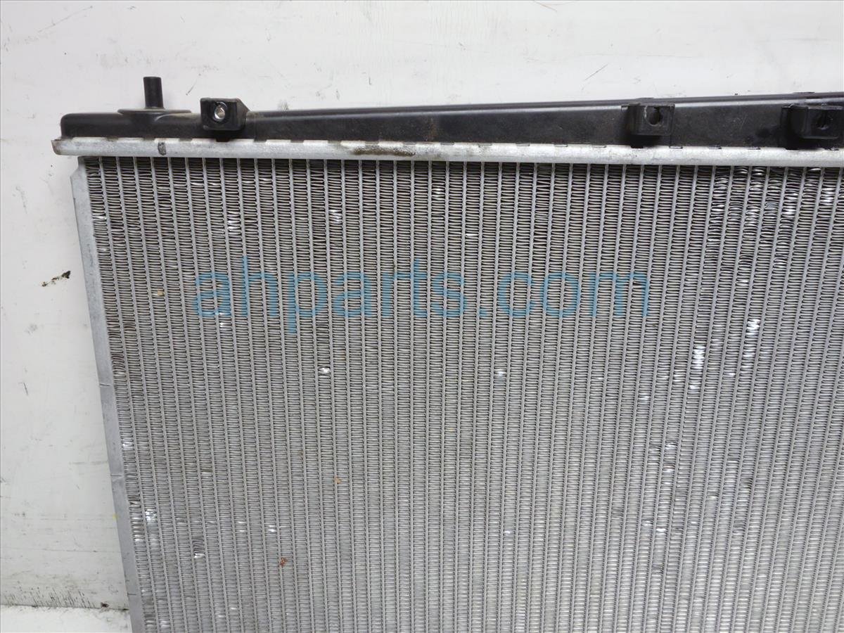 1999 Toyota Sienna Radiator 16400 0A072 Replacement