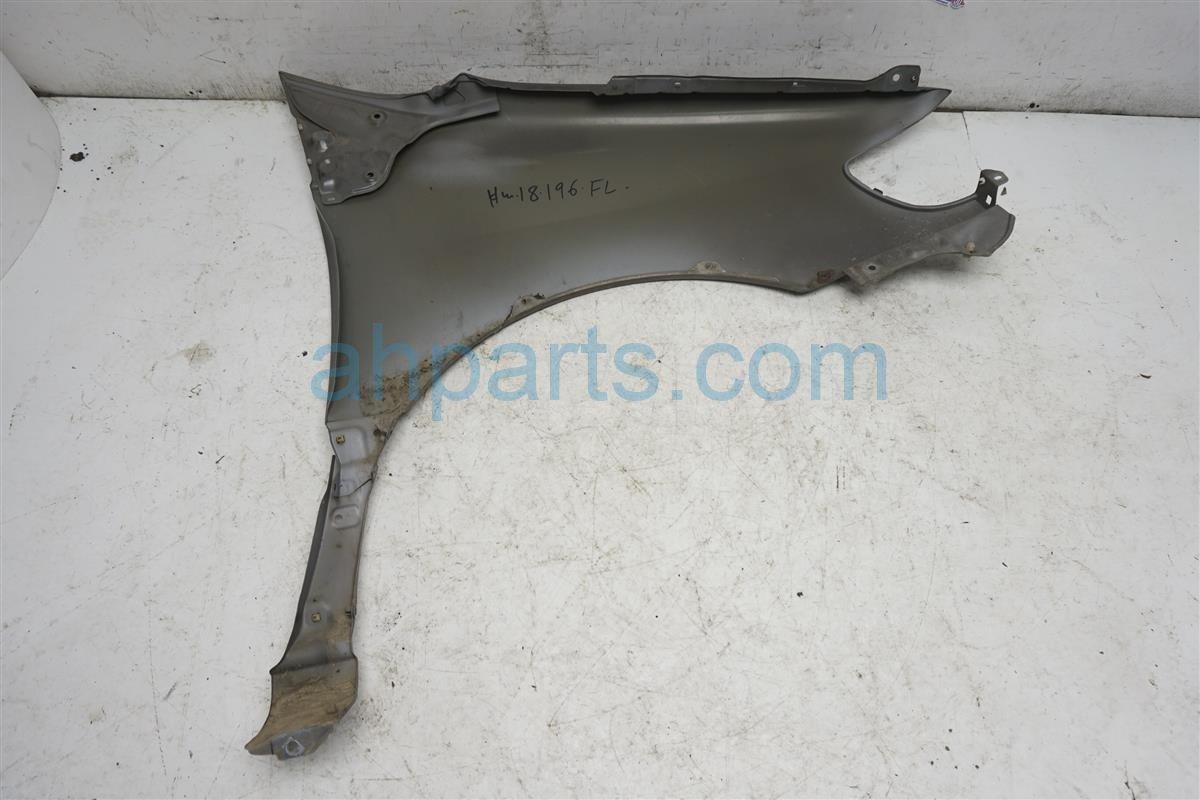 1999 Toyota Sienna Front Passenger Fender   Beige 53801 08900 Replacement