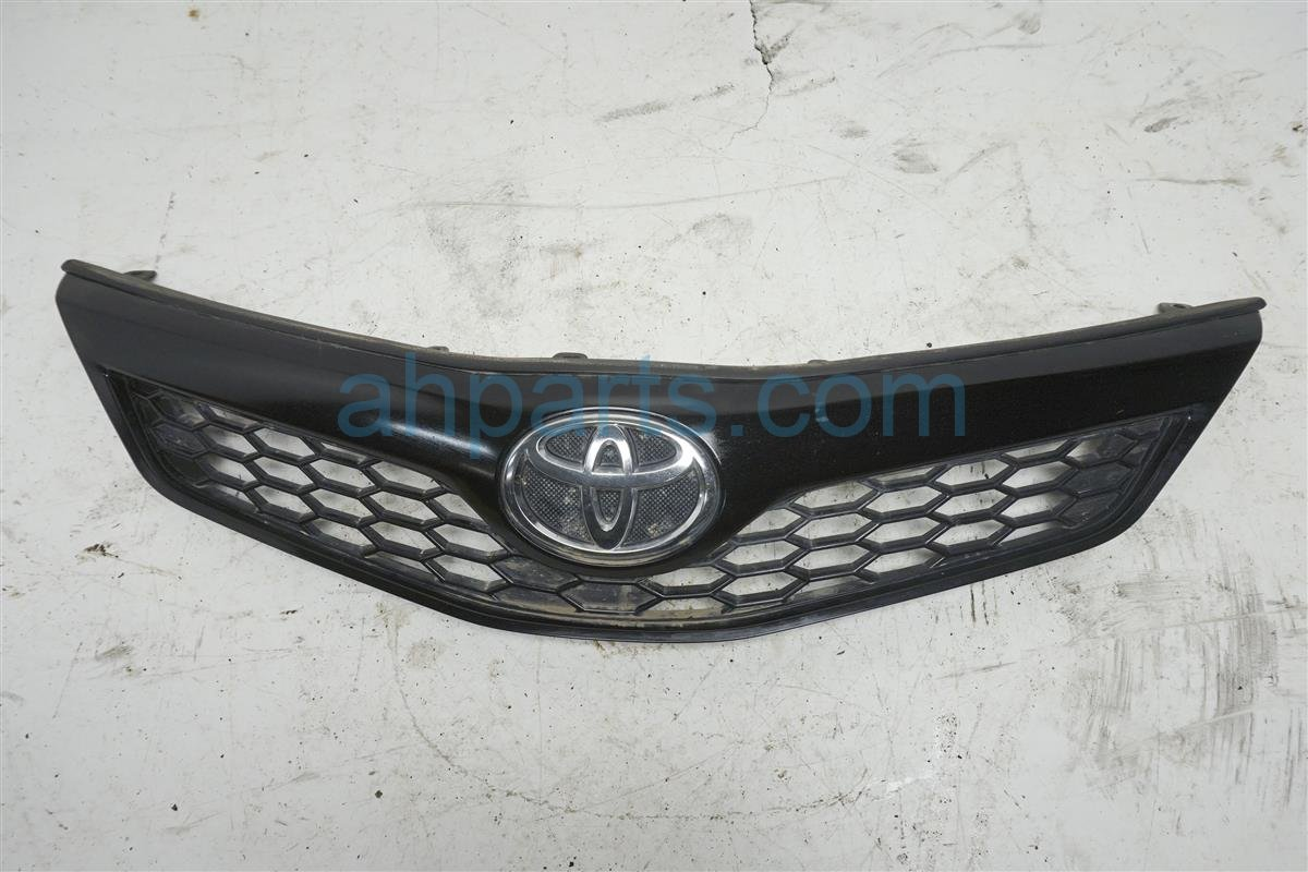 2014 Toyota Camry Grille   Black 53101 06320 Replacement