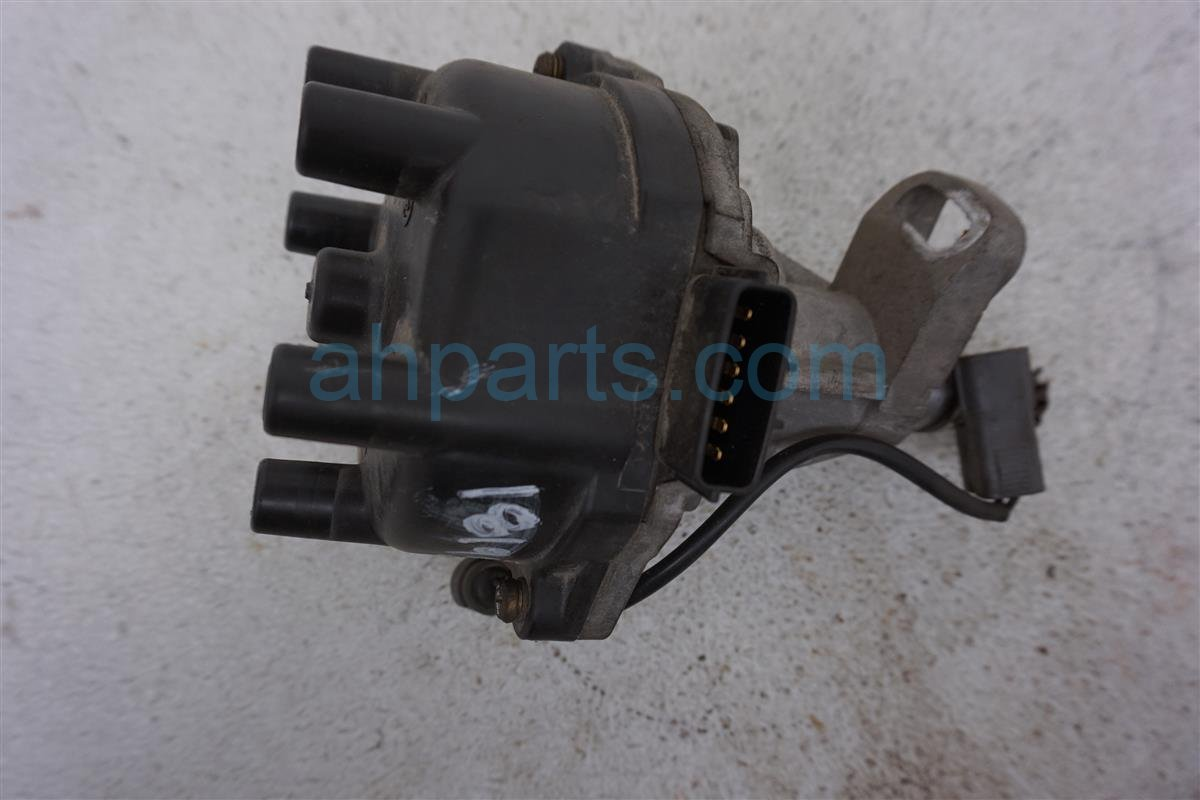 2001 Nissan Frontier Distributor   22100 7B001 Replacement