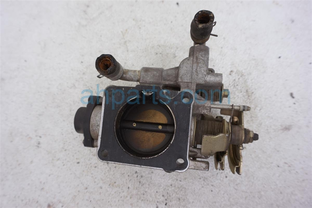 2001 Nissan Frontier Throttle Body   16118 5S100 Replacement