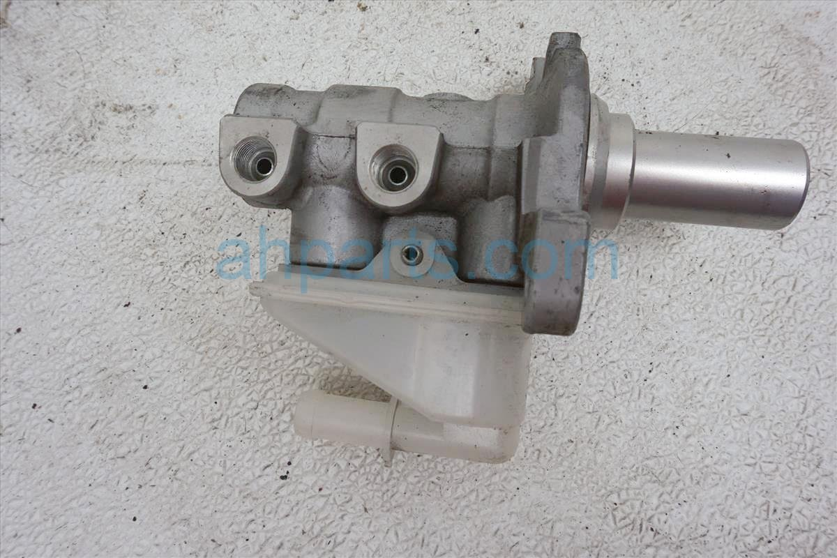 2013 Nissan Quest Brake Master Cylinder 46090 1JA0A Replacement