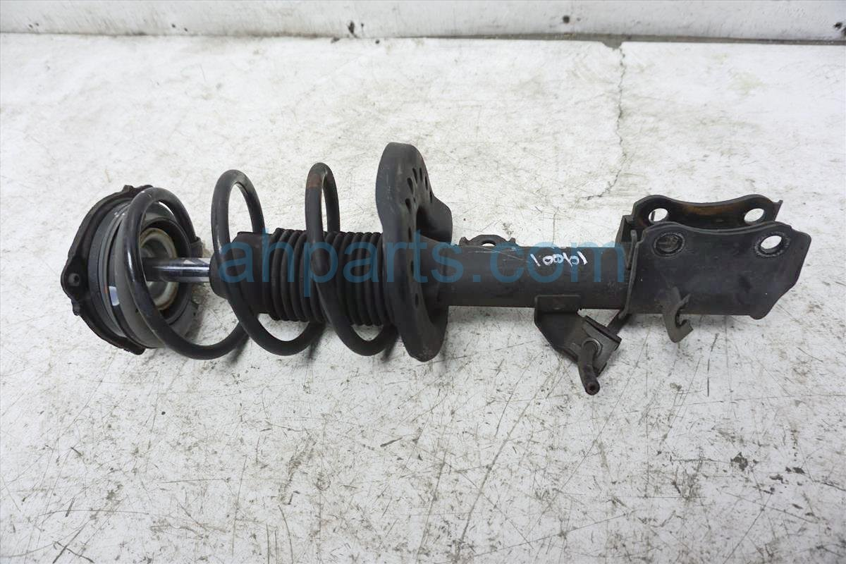 2015 Nissan Sentra Front Driver Strut Shock + Spring E4303 9AM0B Replacement