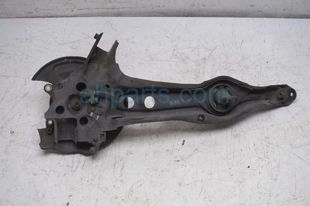 1999 Honda Civic Lower Control Rear Driver Trailing Arm With Knuckle 52371 S04 A21 Replacement