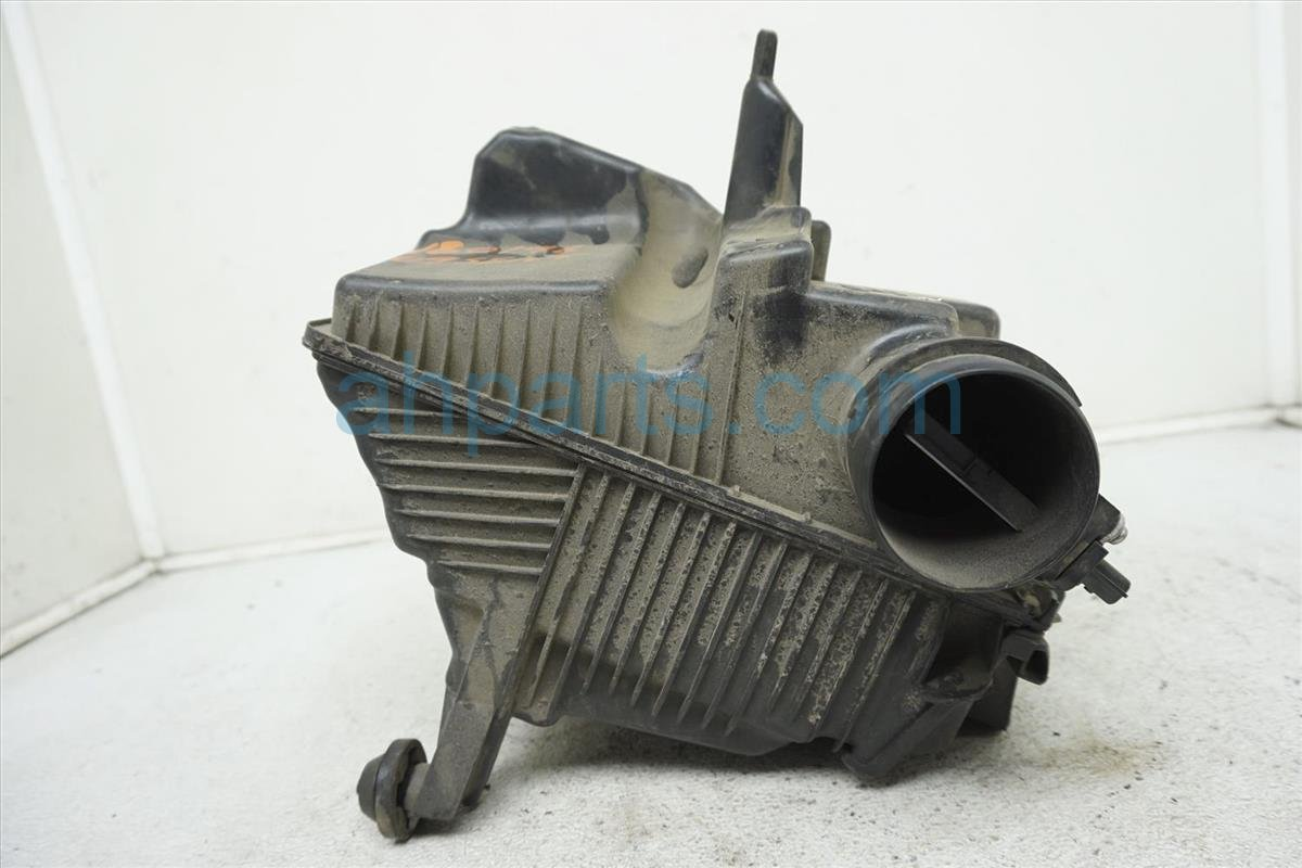 2009 Nissan Sentra Intake Air Cleaner Box 16500 ET00A Replacement