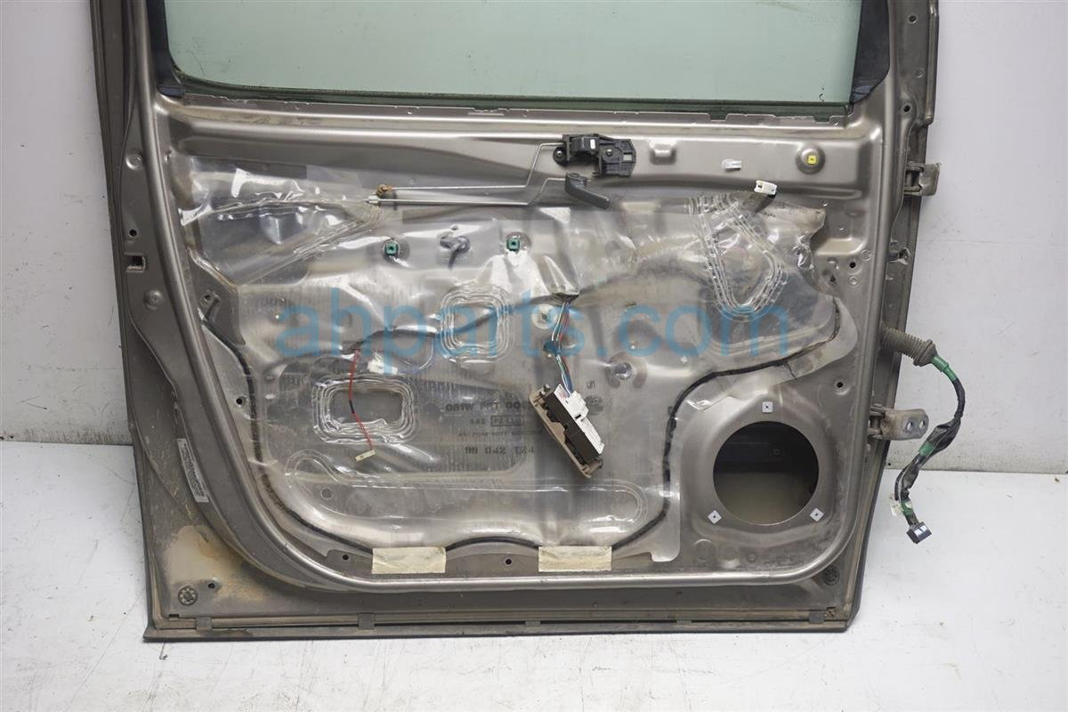 1999 Toyota Sienna Front Driver Door Shell   Beige 67002 08022 Replacement