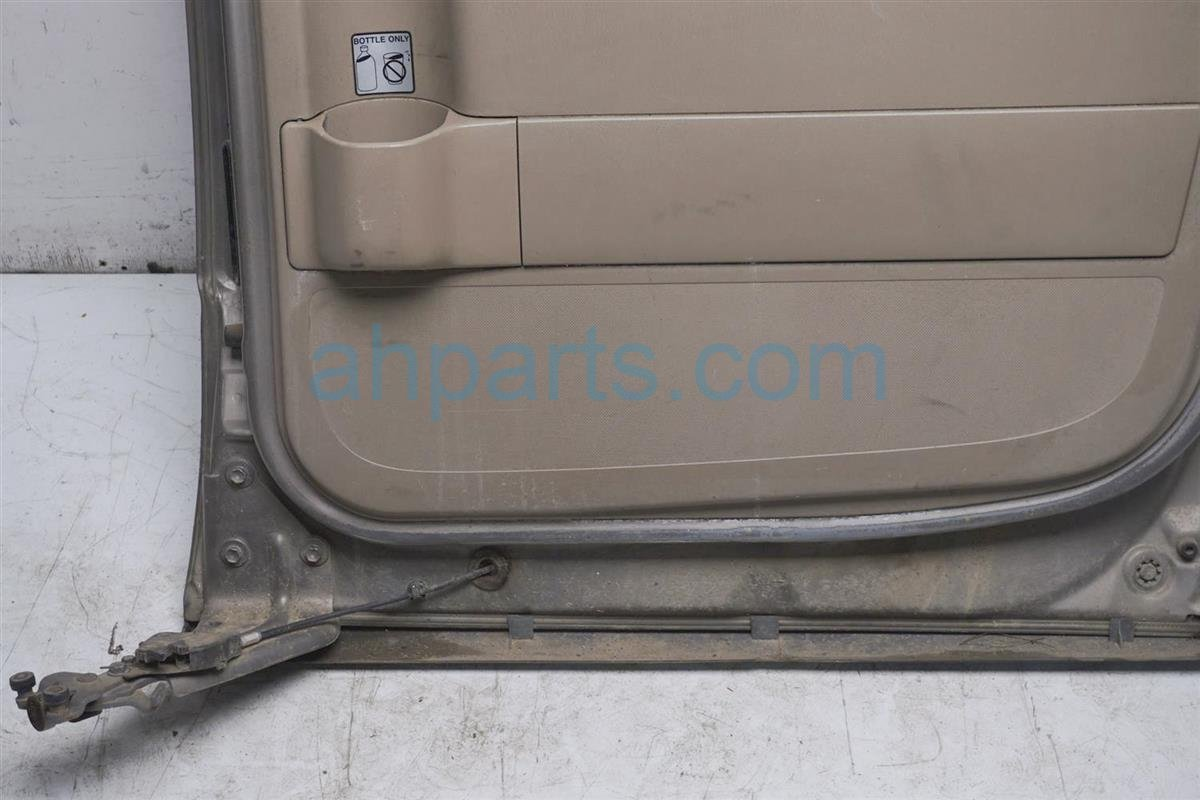 1999 Toyota Sienna Rear Passenger Door   Beige 67003 08021 Replacement