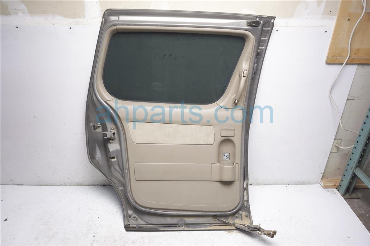 1999 Toyota Sienna Rear Driver Door   Beige 67004 08022 Replacement