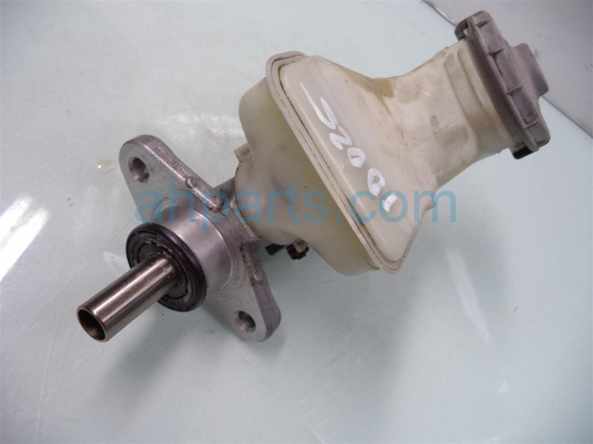 2005 Honda Civic Brake master cylinder BR MAST CYL W O ABS 46100 S5D A01 46100S5DA01 Replacement