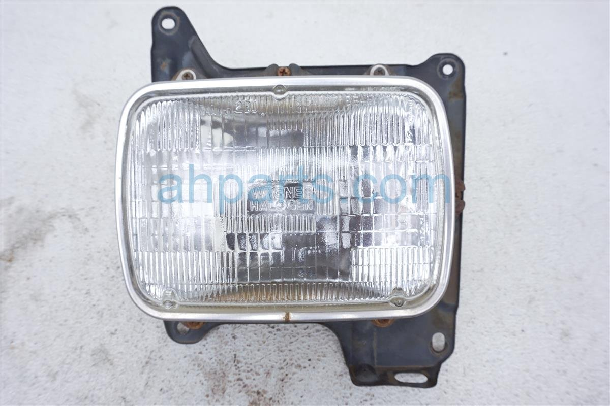 1993 Nissan Nissan Truck Headlight Front Driver Head Light / Lamp Replacement