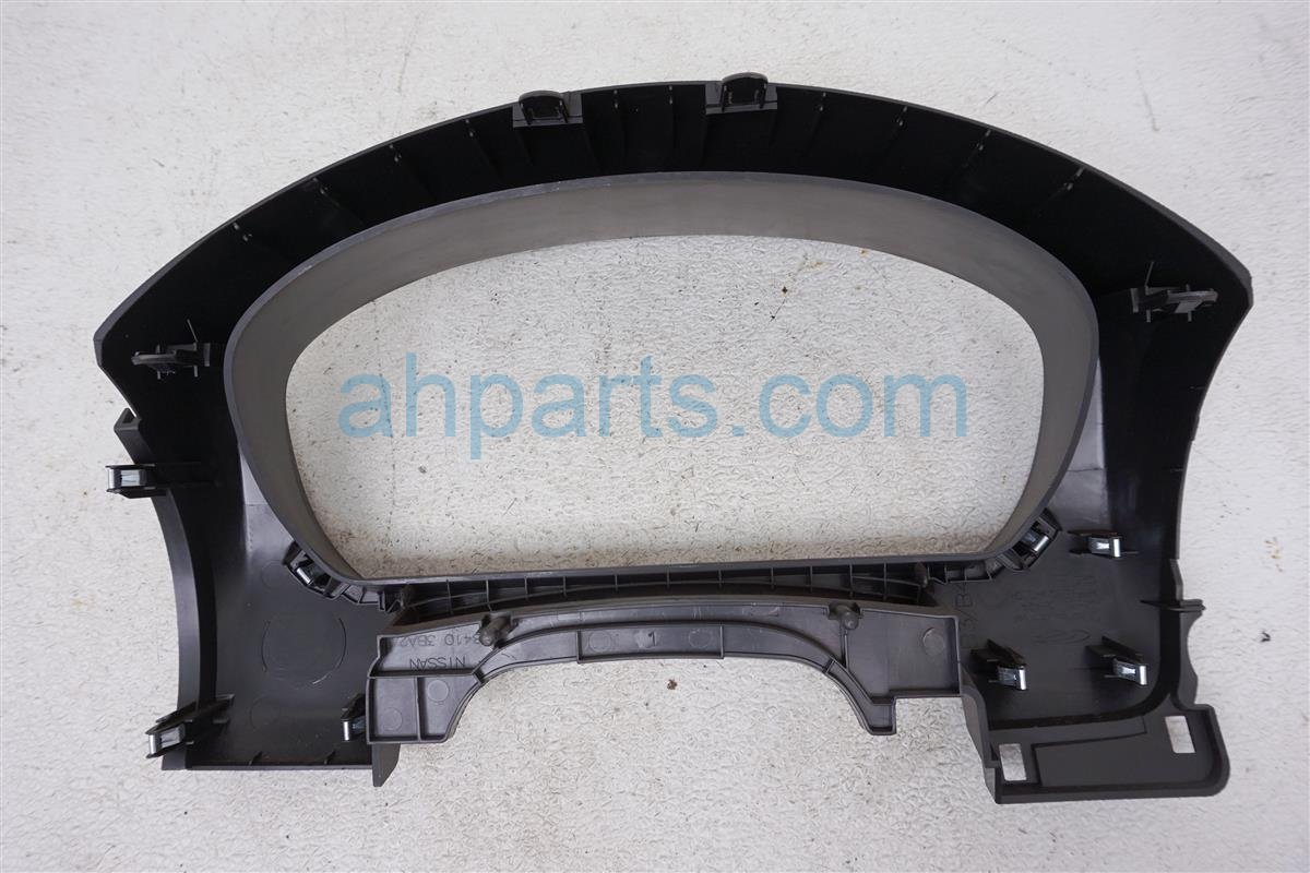 2016 Nissan Versa Speedometer Visor Bezel Trim Panel 68410 3BA2A Replacement