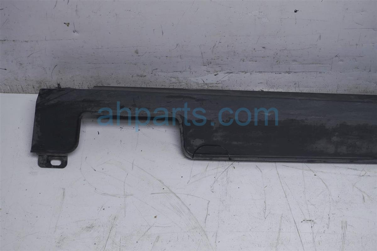 2016 Honda Pilot Trim Driver Side Skirt / Rocker Molding Black 08P05 TG7 170 Replacement