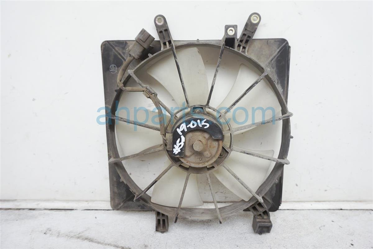 2004 Honda Civic Cooling Radiator Fan Assembly 19020 PLC 003 Replacement